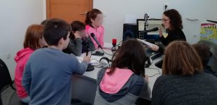 L'escola participa en Vives 21 Ràdio i en un concert solidari