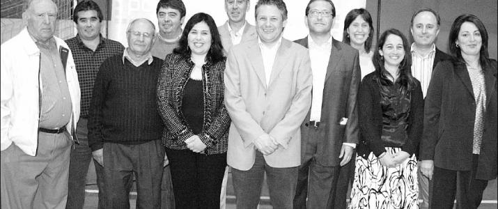Notícia del periòdic el 7 Set amb els candidats a les eleccions locals de 2007 pel Partit Popular, on Vicent va ser Cap de Llista