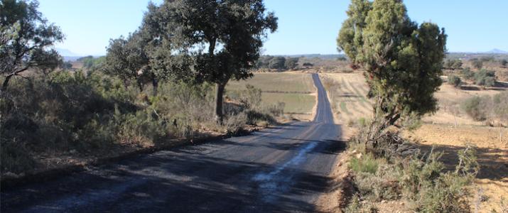 L'Ajuntament recupera un camí rural entre Benlloc i Vilanova