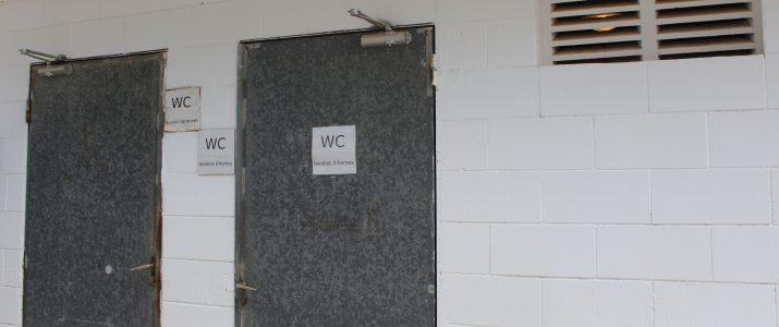 L'Ajuntament remodelarà els vestidors de les piscines