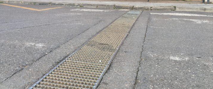 L'Ajuntament neteja els engolidors pel risc de fortes pluges