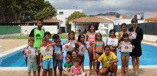 L'acte d'entrega del diplomes marca la fi d'un satisfactori curs de natació