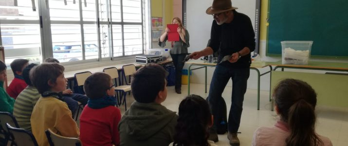 L'alumnat de Benlloc participa en un taller sobre ciència