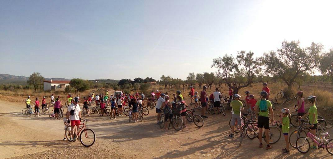 Primera parada de la passejada en bici infantil 2016