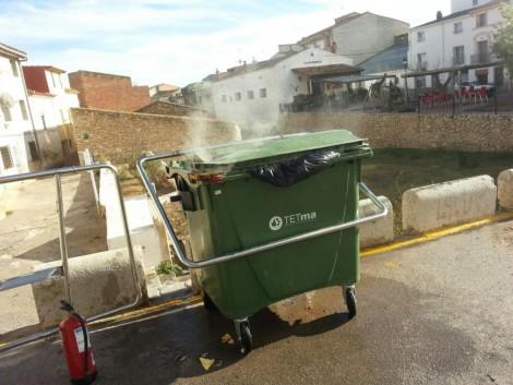 Recordatori sobre la prohibició de dipositar cendres als contenidors