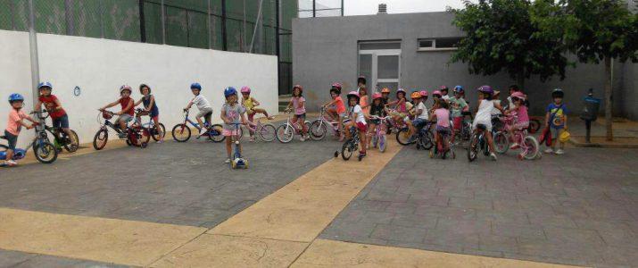 Activitat ciclista a l'Escola d'Estiu 2015 de Benlloch