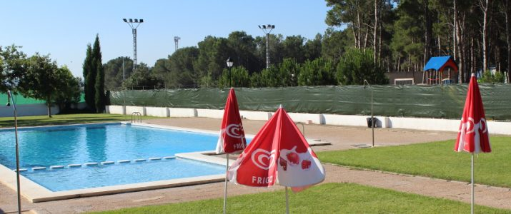 Disponibles els passes de temporada de la piscina municipal